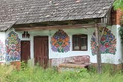 Zalipie, Małopolska, Poland (LeszekZadlo) Tags: flowers house building art home architecture countryside village native traditional country culture poland polska polen tradition polonia pologne ciuntryfile