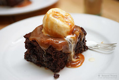 20140707-22-Rum chocolate brownie with salted caramel at Tricycle Cafe in Hobart.jpg (Roger T Wong) Tags: food dessert lunch cafe tricycle australia caramel icecream tasmania rum salamanca hobart raisin salted 2014 batterypoint sigma50mmf28exdgmacro sigma50macro sonyalpha7 sonya7 rogertwong sonyilce7
