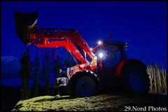 Ensilage de mais -Finistère (29.Nord Photos) Tags: tractor canon eos bucket brittany traktor bretagne breizh agriculture tas loader ferguson tracteur breton massey godet agri 953 maïs agricole 600d bretonne chargeur 2013 6455 ensilage tassage agriculteur