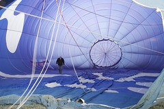 Checking it Out (pn_taylor) Tags: balloons nikon australia views hotairballoon canberra act d3200