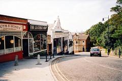 Bent Hill, Felixstowe (innpictime ζ♠♠ρﭐḉ†ﭐᶬ₹ Ȝ͏۞°ʖ) Tags: suffolk felixstowe hillystreet steepstreet benthill 519604931351342 px10~21a