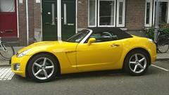 Opel GT 2.0 Turbo (sjoerd.wijsman) Tags: auto sky holland cars netherlands car yellow jaune rotterdam nederland thenetherlands voiture gelb vehicle holanda saturn autos gt geel paysbas olanda opel fahrzeug niederlande roadster kralingen zuidholland saturnsky onk carspotting yellowcars opelgt ocar carspot rotterdamkralingen sidecode7 10gvx2