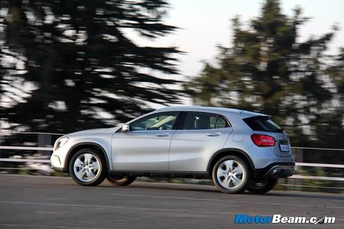 2014-Mercedes-Benz-GLA-77