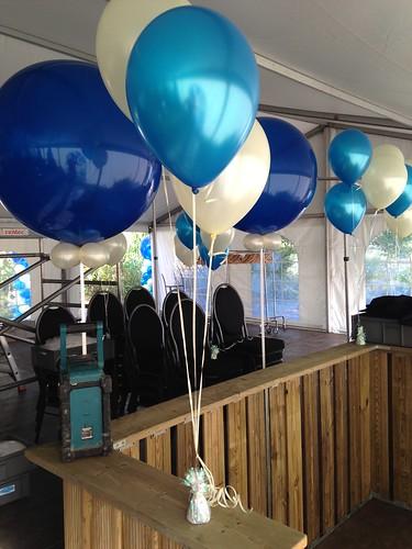 Tafeldecoratie 3ballonnen Blauw Ivoor