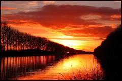 Zonsondergang Eemskanaal (TeunisHaveman) Tags: groningslandschap luchten zonsondergang sunset landscape eemskanaal ncg ngc