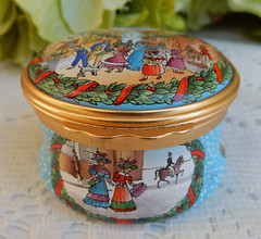Halcyon Days English Enamels Trinket Box ~ 1997 Christmas (Donna's Collectables) Tags: halcyon days english enamels trinket box ~ 1997 christmas