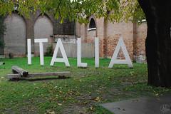Venezia: tra architettura di pietra e sculture d'emozione (agq_92) Tags: venice venezia veneziani burano color architecture biennaledivenezia biennale architettura architect architetto house sunset nature