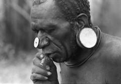 album2film173foto013 (Melanesian cultures) Tags: baliem baliemvallei sibil sibilvallei josdonkers eranotali wisselmeren papua irian jaya nieuwguinea