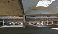 Blick in die Halle des Betriebshofs 2 an der Einsteinstraße (Frederik Buchleitner) Tags: munich münchen tram streetcar betriebshof mvg trambahn strasenbahn einsteinstrase betriebshof2