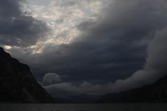 inguine leonardesco 201 - cielo nero sul lago di Lecco (Alberto Cameroni) Tags: leica montagne lago evening nuvole lac ciel cielo giugno acqua montagna lombardia lecco groin x1 sera montagnes temporale lario lagodilecco moregallo nuvolenere inguineleonardesco pwpartlycloudy