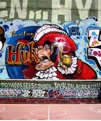 Capitan Hvk (El Chico Iwana) Tags: red graffiti rojo comic peter captain pan hook cpt cuenca capitan garfio hvkombo