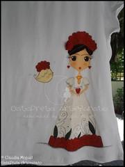 "T-shirt ""Frida"" (GataPreta Artesanato) Tags: crafts artesanato criana tshirts crianas vesturio pintadomo pinturaemtecido"
