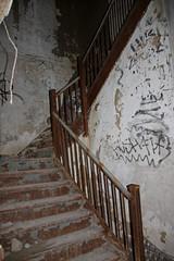 IMG_9916 (Jeffrey Terranova) Tags: newyork abandoned graffiti greenhouse urbanexploration bti yonkersny boycethompsoninstitute canonrebelxsi