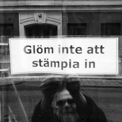 Glm inte ... (goosevisionen) Tags: blackandwhite bw skyltar svartvitt instagram ifttt