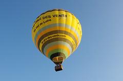Thse-la-Romaine (Loir-et-Cher) (sybarite48) Tags: france ballon balloon balo hotairballoon mongolfiera globo balon  palloncino loiretcher montgolfire heteluchtballon   globodeairecaliente  balodearquente scakhavabalonu   thselaromaine gorcepowietrzebalon