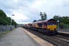 66031 enters Bamford with the 6M11 Washwood Heath to Peak Forest, 6th Aug 2014. (Dave Wragg) Tags: diesel railway loco locomotive class66 ews bamford 66031 hopevalleyline 6m11
