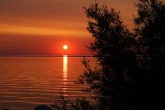 The morning sun is shining like a Red Rubber Ball (johndecember) Tags: park summer usa wisconsin sunrise gallery album july lakemichigan milwaukee lakefront mke 2014 lakeshorestatepark mke20140718