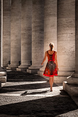 Lady at the Vatican (80D-Ray) Tags: red vatican lady walking vakantie dress columns barefoot italië vaticancity 2014