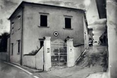 una casa_DP07321 (Daniele Pisani) Tags: paesaggio carmignano