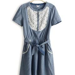 ชุดยีนส์ แฟชั่นเกาหลี ผู้หญิง Lace Dress นำเข้า - พร้อมส่งTJ7095 ราคา750บาท ชุดยีนส์ new denim dress สำหรับผู้หญิงเป็นแฟชั่นทันสมัย เดรสคอลเล็กชั่นนี้เป็นแบบใหม่มาแรงสุด hot เป็นชุดยีนส์แขนสั้นใส่สบายคอกลม ด้านหน้าช่วงอกแต่งลูกไม้สีขาวดูนุ่มละมุนพริ้วไหว