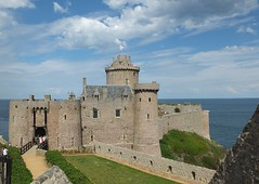 Castillo de Aella (Patataasada) Tags: france castle mar francia castillo acantilado 52 bretaña fortlalatte thevikings capfréhel bretañafrancesa losvikingos