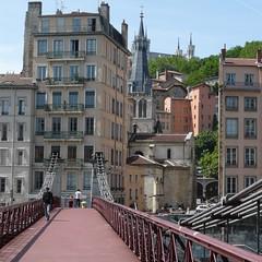 Passerelle Saint-Vincent (frederic.conte) Tags: city bridge france building church lyon pont eglise ville immeuble passerelle vieuxlyon sane