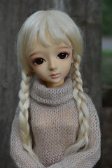 her face is stunning (French Bulldog Works) Tags: blue doll blueline tan special blond blonde bjd shaina limited edition 2008 msd latidoll lati