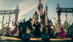 Disney Villains (Jojo_VH) Tags: 2015 captainhook dlp disneylandparis frollo halloween itsgoodtobebad maleficent queenofhearts sleepingbeauty sleepingbeautycastle villain villains castle castlestage characters disney disneycharacter gaston show