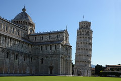 Leaning Tower of Pisa (Theo Crazzolara) Tags: leaning tower pisa schieferturm torre pendente campanile bell cathedral baptistry italy italien europe europa sight sightseeing sehenswürdigkeit hotspot toskana arno ligurische tuscany tyrrhenian italiano toscana nikon d5100 nikkor piazza miracoli