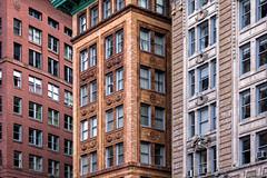 Architecture de Boston (Lucille-bs) Tags: amérique etatsunis usa massachusetts boston architecture building immeuble fenêtre trio 3 couleur