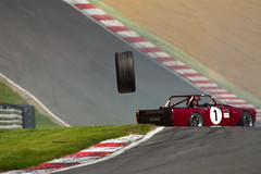 Bernie's V8's Sunbeam Tiger & Wheel (motorsportimagesbyghp) Tags: wheel crash motorracing sunbeamtiger motorsport sportscars brandshatch williamsmallridge