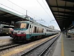 Trenitalia, 402 010 (Chris GBNL) Tags: train treno fs trenitalia e402a 402010