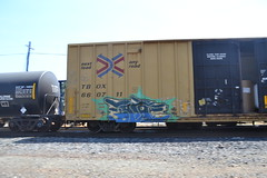 Betic (huntingtherare) Tags: train bench graffiti railcar freight southbound opendoor rollingstock northamerican benching