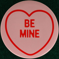 BE MINE (Leo Reynolds) Tags: love pin heart badge button squaredcircle  loveheart groupbuttons grouppins groupbadges xleol30x sqset109 xxx2014xxx