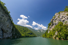Drina Canyon (Irene Becker) Tags: bosnia serbia canyon balkan srbija drina bosniaandherzegovina republikasrpska taramountain drinariver viegrad bajinabata westserbia irenebecker nacionalniparktara imagesofserbia irenebeckereu drinarivercanyon