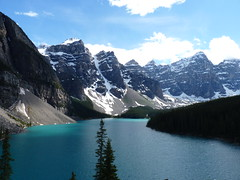 Moraine Lake and View of the Valley of the Ten Peaks, Lake Louise, Banff National Park, Alberta, Canada (Loeffle) Tags: lake canada mountains see lac berge alberta rockymountains lakelouise kanada banffnationalpark morainelake canadianrockies valleyofthetenpeaks 062014