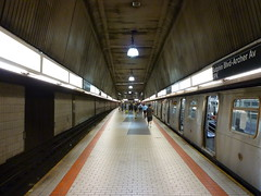 201407031 New York City subway station  'Sutphin Boulevard  Archer Avenue  JFK' (taigatrommelchen) Tags: nyc newyorkcity railroad urban usa ny newyork station train subway central perspective railway tunnel icon queens transit mta mass 20140729