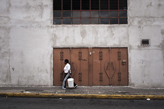 gustavo_gutierrez-150002 (StereoG) Tags: street people color photography calle costarica colorphotography streetphotography streetphoto olympuspen ep1 olympusdigital gustavogutierrez olympusep1 streetcolorphotography