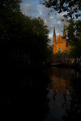 Gouda's church on the canal #2 (Bahanick --(Next upload: Singapore)) Tags: camera original light holland art colors dutch up look amsterdam architecture composition contrast dark airplane for reflex airport europa europe raw foto with arte bright image good picture shapes eindhoven delft saturation su typical visual emotions per curiosity colori con luce marken kinderdijk olanda forme volendam sensation gouda riflesso harleem composizione edam scuro sensazioni immagine monnickendam emozioni chiaro tonality visivo