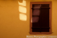 ribeauville_0098 (Hatuey Photographies) Tags: windows wall alsace mur reflets ribeauvill fentres graphisme hatueyphotographies hatueyphotographies