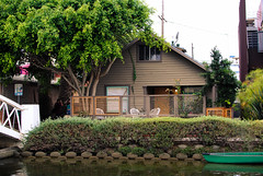 LOS ANGELES 2014 (skech82) Tags: california street venice usa house building water architecture 35mm river boat casa losangeles nikon barca fiume streetphotography architectural costruzione architettura canale d3000 fotodistrada skech82 skechphoto
