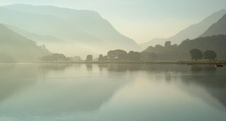 Autumn sunrise on lake Padarn.