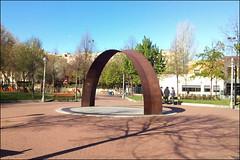 Parque de la Cometa (Logroño, 3-4-2017) (Juanje Orío) Tags: logroño larioja provinciadelarioja españa spain 2017 parque jardín escultura sculpture arco
