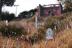 Eusebio y Elvira (mateosánchez) Tags: cementerio cemetery death heaven tumba tomb muerte colorfull colors sureal surreal