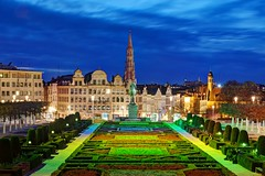 View of Brussels by Night from Parc du Mont des Arts (Barry O Carroll Photography) Tags: parcdumontdesarts montdesarts belltower belfry beffroi hoteldeville townhall brussels bruxelles belgium belgique europe city cityscape urbanlandscape architecture travel night bluehour evening park citypark