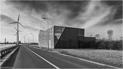25kv station Elbeweg 1 (Rens Timmermans) Tags: canon5dmk3 tamronsp2470mmf28 industrie rijnmond blackwhite nationalgeographic niksilverefexpro