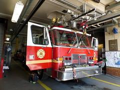 Philadelphia Fire Department Quint 69 (Canadian Emergency Buff) Tags: usa simon philadelphia america fire pennsylvania united duplex states 69 department dept pfd quint of q69