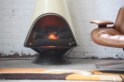 En Fuego! Midcentury Modern Majestic Electric Cone Fireplace with ...