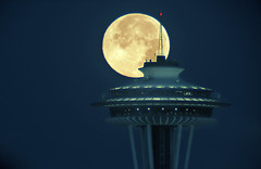 "Space Needle and Super Moon • <a style=""font-size:0.8em;"" href=""http://www.flickr.com/photos/29020047@N05/14897476443/"" target=""_blank"">View on Flickr</a>"