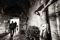 (maxlaurenzi) Tags: summer italy white black men walking cross god background jesus perspective dramatic away grazie mantua crucified